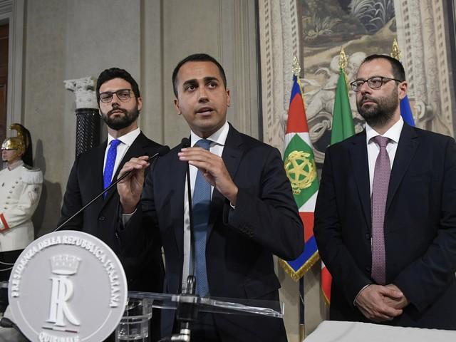 """Di Maio ora attacca. Salvini: """"Ha fatto saltare tutto..."""""""