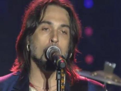 Video della reunion de Le Vibrazioni a Radio Italia Live: da Dedicato a Te a Vieni da me in attesa del nuovo disco
