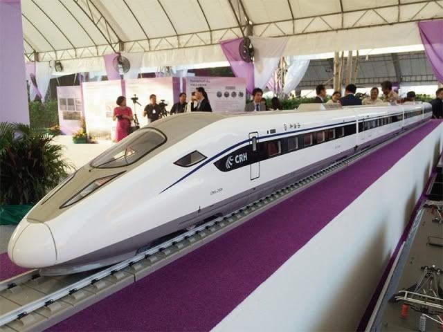 Governo approva una spesa di 179 miliardi di baht per un controvrrso progetto feroviario a alta velocità