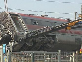 Frecciarossa deragliato, prevista per il 2 marzo la riapertura della tratta fra Milano e Bologna