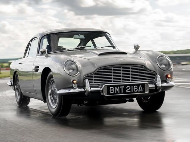 Aston Martin DB5, ritorna l'auto di James Bond