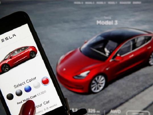 Maxi-incentivi per auto elettrica, Tesla Model 3 costerà fino a 16mila euro in meno