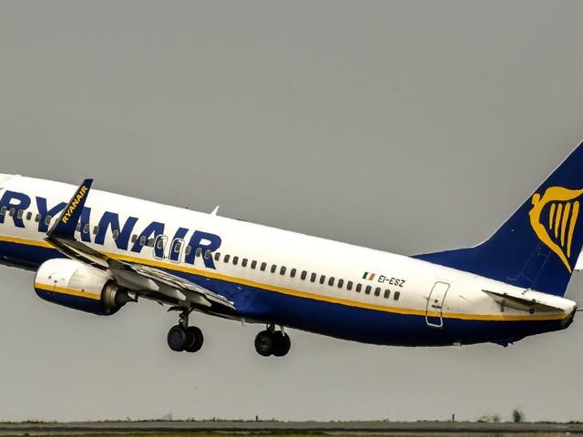 """""""I tagli dei voli Ryanair riguarderanno 400 mila passeggeri"""". La Commissione Ue chiede rispetto diritti dei passeggeri"""