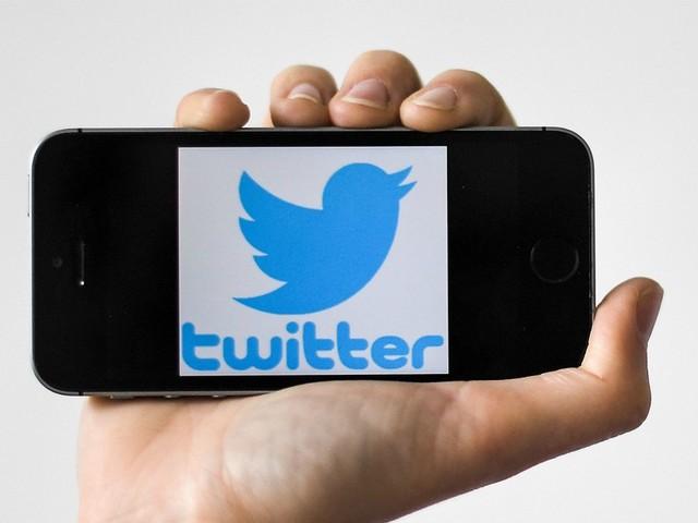 """Hong Kong, Twitter e Facebook rimuovono falsi account: """"Usati dalla Cina per diffondere false notizie sui manifestanti"""""""