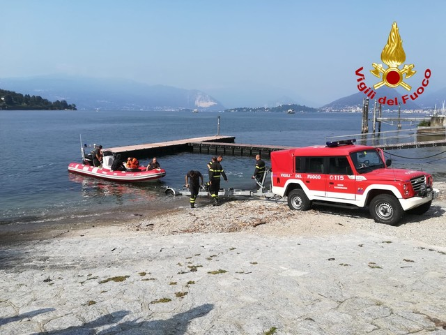 Lago Maggiore, continuano le ricerche del disperso caduto dal traghetto