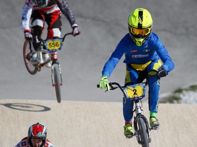 Ciclismo, Coppa del Mondo BMX: Smulders fa doppietta al femminile, vittorie per Sharrah e Kimmann al maschile