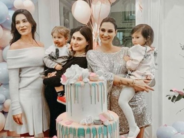 È nata: la famiglia di Beatrice e Ludovica Valli si allarga. Ecco il nome scelto per la piccola