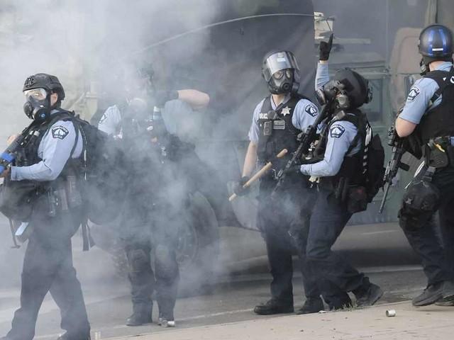 Minneapolis, continua la protesta negli Usa: 19enne ucciso a Detroit – VIDEO