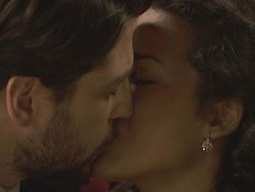 Il Segreto: Video puntata 14 dicembre 2017 - Lucia e Hernando, il primo bacio!