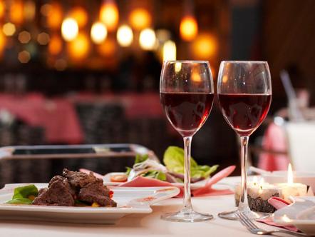 La ristorazione in Italia va benone ma cala il numero dei locali e avanza il cibo etnico