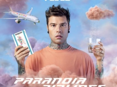 Fedez: testo e significato di HOLDING OUT FOR YOU feat. Zara Larsson