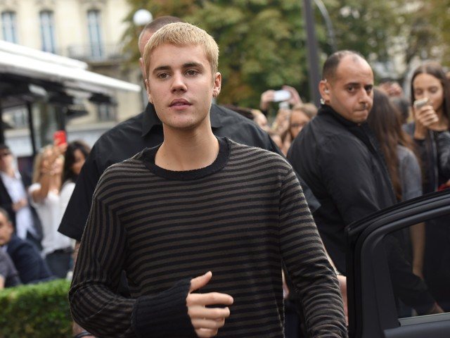 "Justin Bieber scrive ai fan e ammette i suoi errori: ""Droghe a 19 anni"""