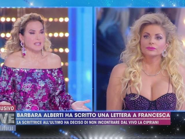 """Barbara Alberti non si presenta a Live Non è la d'Urso: Francesca Cipriani: """"Paracul*"""""""