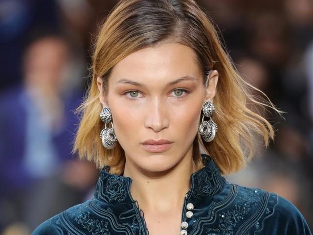 Moda capelli per l'inverno 2020: il chin bob e la tonalità Smoky Gold Blond