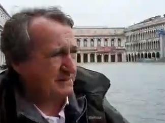Dopo l'alta marea, un conto corrente per aiutare Venezia