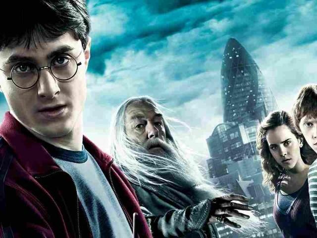 JK Rowling lancia Harry Potter at Home contro la quarantena, un portale gratuito per tutti i fan del maghetto