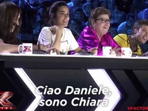 X Factor 2017, Chiara Ferragni chiama Fedez (VIDEO)