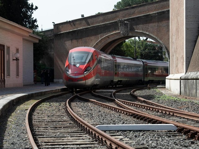 Pendolari, sospesi per tre mesi 4 dei 10 treni regionali fra Padova e Treviso