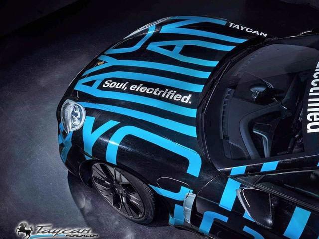 Porsche Taycan: prime immagini della versione definitiva