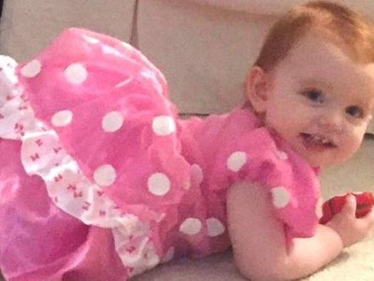 """Uccide di botte la figlia di 2 anni della compagna: """"Mai vista una violenza simile"""""""