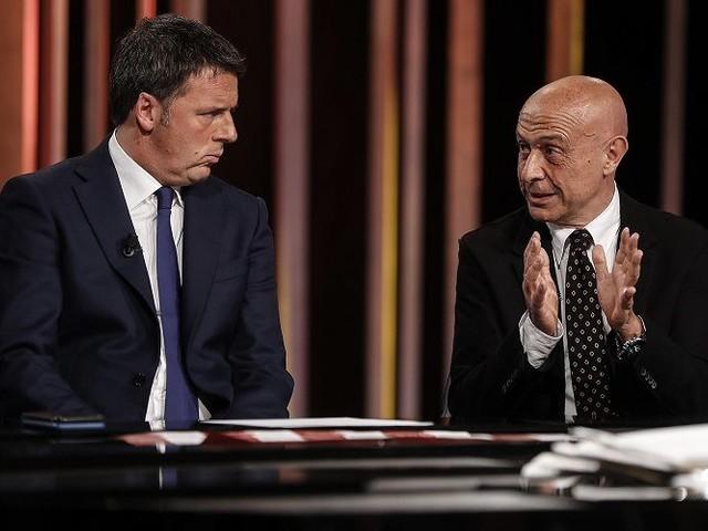 I guai del Pd: Minniti (snobbato da Renzi) valuta se lasciare la corsa alla segreteria