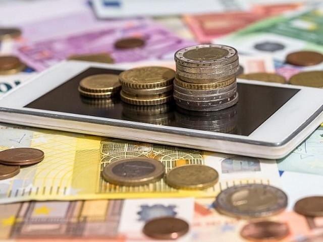 Non si spegne guerra prezzi tlc, in 1 anno tariffe medie giù di 4,1% per mobile