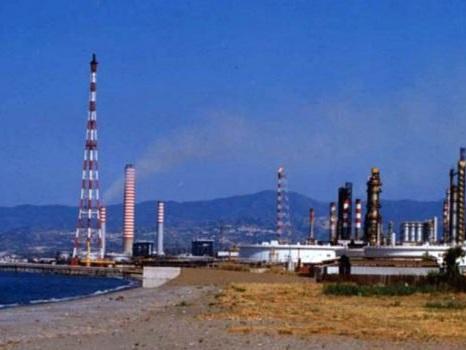 Raffineria di Milazzo, resta il nodo degli operai dell'indotto