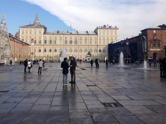 Ghiaccio su marciapiedi e piazze: in azione gli spargisale del Comune