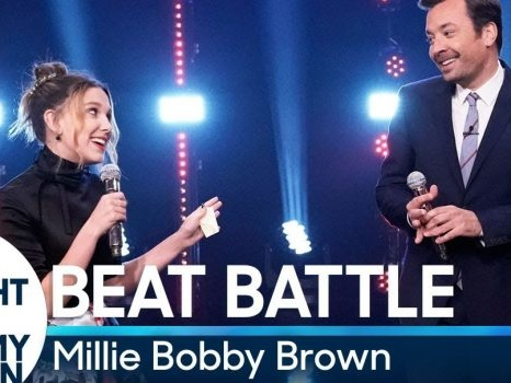 Millie Bobby Brown di Stranger Things ha talento anche per il karaoke: l'imitazione di Amy Winehouse (video)