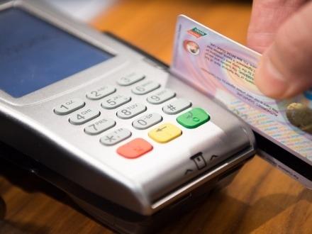 POS e moneta elettronica al posto del contante