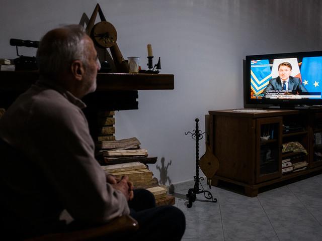 """Le critiche della politica alla comunicazione """"notturna"""" di Conte"""