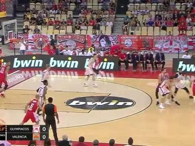 Olympiacos-Valencia 89-63, spagnoli mai in partita