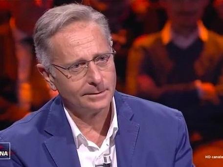 Paolo Bonolis parla dell'incidente a Ciao Darwin, poi svela i progetti futuri