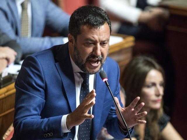 """Governo, Salvini: """"Che schifo i senatori a vita, sono la casta della casta della casta"""""""