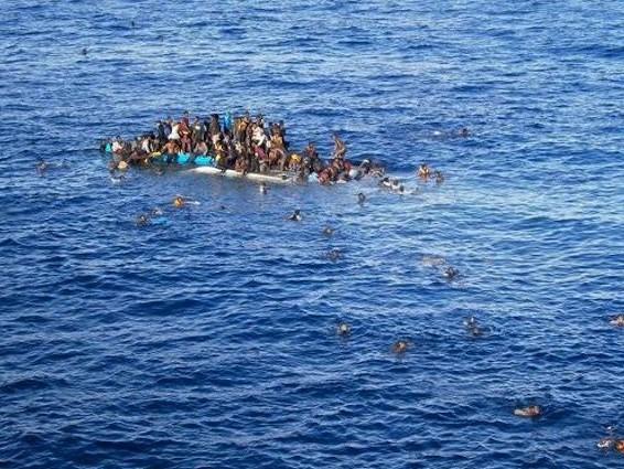Naufragio migranti con 268 morti: a processo 2 ufficiali della Marina perché ritardarono i soccorsi