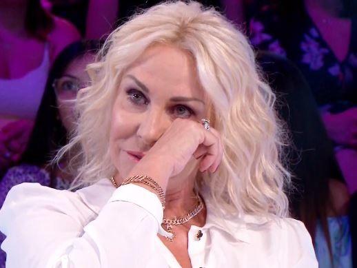"""Antonella Clerici in lacrime: """"La tv mi è stata tolta ingiustamente"""""""