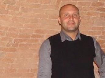 Versilia: scooter contro auto sul lungomare, muore 44enne