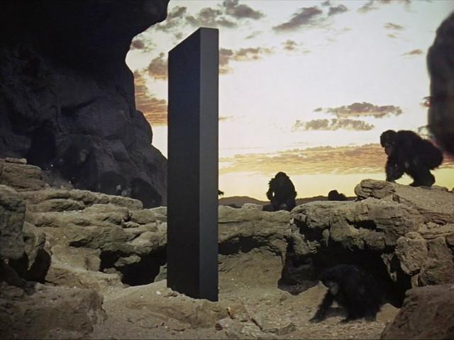 Scoperto un monolite identico a quello di 2001: Odissea nello spazio [FOTO]