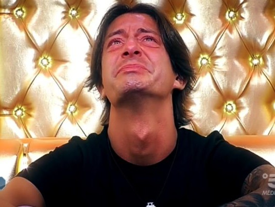 """Francesco Oppini piange per Luana, fidanzata morta in un incidente: """"Era vita, le devo ciò che sono"""""""