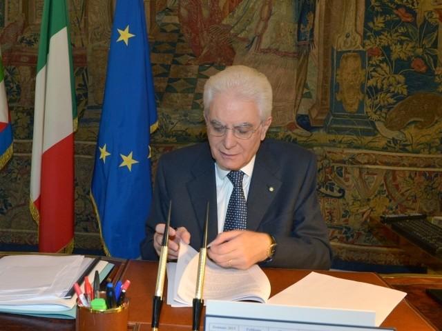 """Mattarella firma il Decreto Sicurezza Bis: """"Resta l'obbligo di salvare le persone in mare"""""""