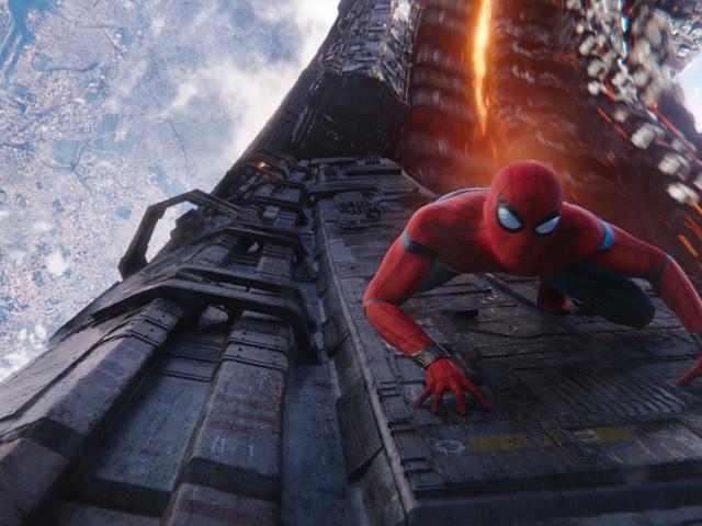 Spider-Man: Far From Home, la descrizione dettagliata del trailer rivela un Mysterio da paura!