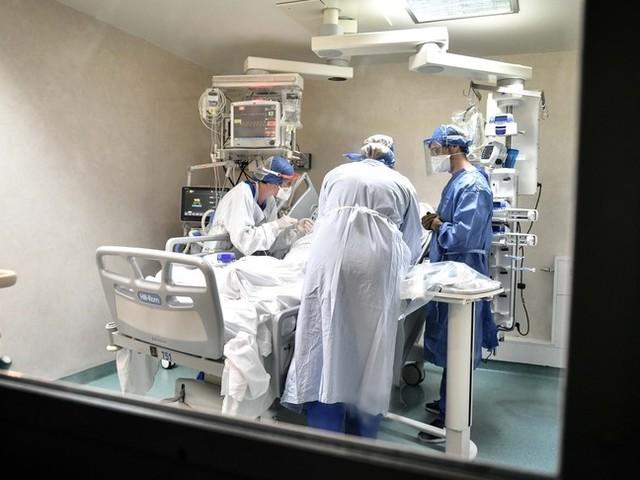 Nuovo balzo dei contagi in Italia: quasi 25 mila casi con 205 decessi. Record di tamponi