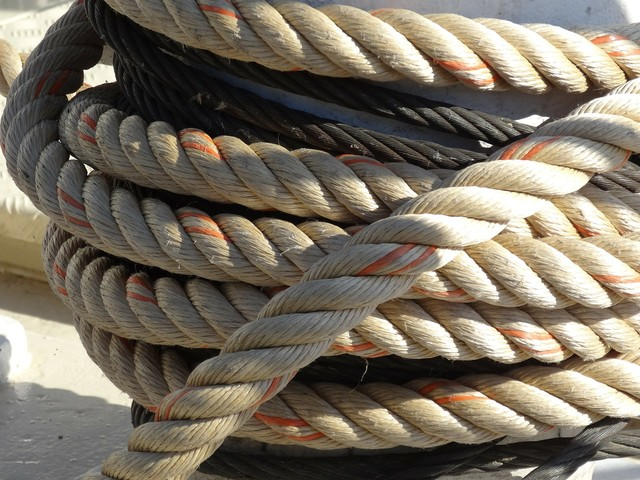 Ancona, si spezza cima della nave: portuale muore sul colpo