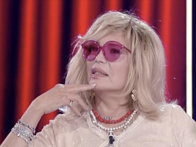 """Amanda Lear: """"La moglie di Dalí non era gelosa di me"""""""