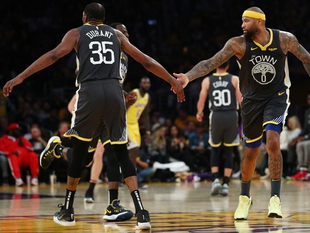 Warriors a valanga sui Lakers, Kings vincenti