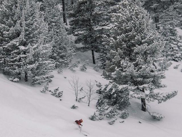 Svizzera, ancora un dramma sulla neve: 17enne italiano muore in motoslitta, grave il papà