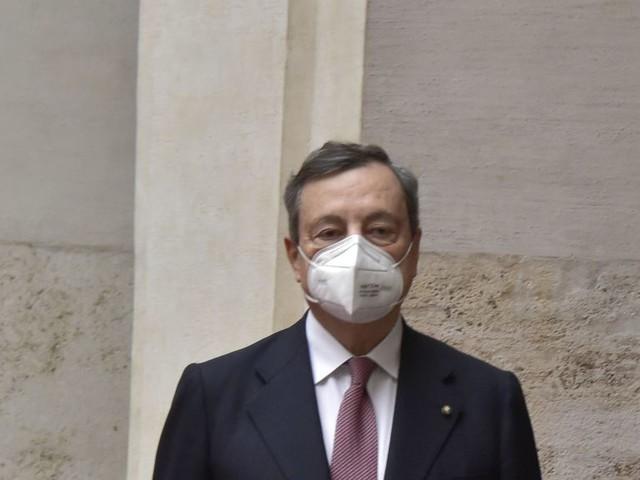 """Covid, Draghi """"Lo Stato c'è e ci sarà. La campagna vaccini prosegue"""""""
