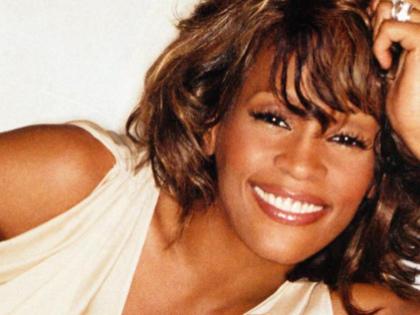 Whitney Houston: arriva un album postumo e un tour con il suo ologramma
