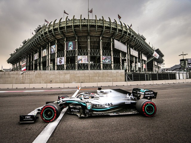 F.1, GP del Messico - Hamilton batte Vettel, terzo Bottas