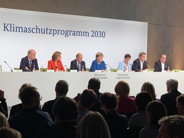 L'Italia annuncia il decreto Clima, ma a farlo è la Germania: carbon tax e 54 miliardi di euro